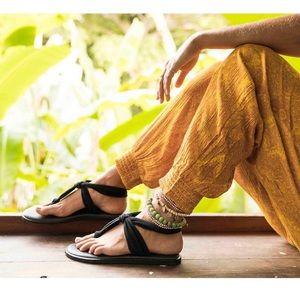 SANUK YOGA SLING FLAT SANDALS size 10